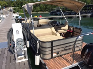 2016 Crest I 220 W/90HP Tan-Lounge