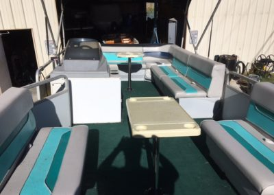 1993 Sun Tracker 21 Ft. Party Barge Pontoon