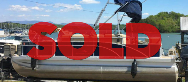 SOLD: 2014 Bennington w/ 70HP Yamaha – $17900 (Sevierville)