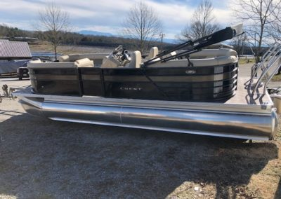 2019 Crest II 220 SLC Black Caribou