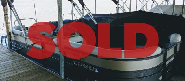 2018 Crest II 230 SLC Tritoon – $39999 (Sevierville)