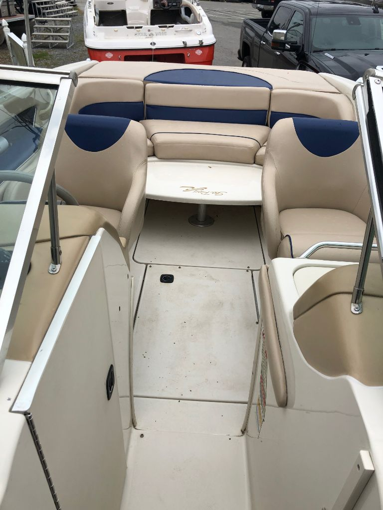 2000 SeaRay 230 Bowrider