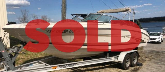 SOLD: 2000 SeaRay 230 Bowrider – $12400 (Sevierville)