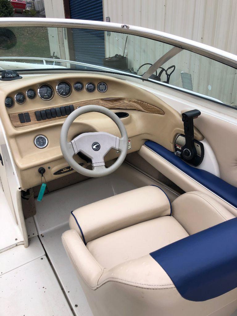 2000 SeaRay 230 Bowrider