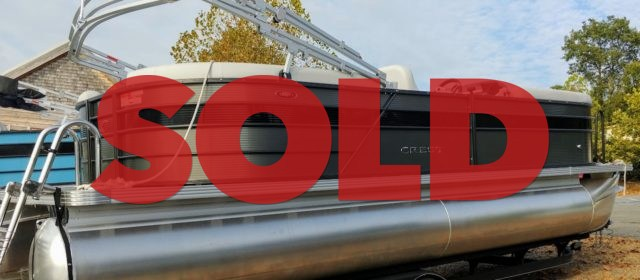 2019 Crest I 220 SLC Tritoon Boat Steel/Black