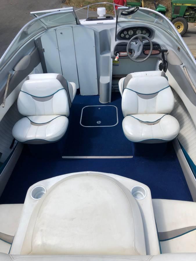 1998 Bayliner 205 LS Capri Cuddy Cabin