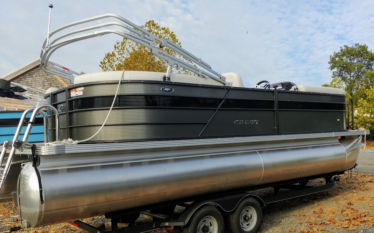 Deep discount on 2019 Crest I Tritoons at Mountain Cove Marina