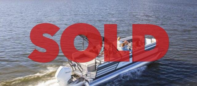 2020 Crest Classic Platinum 220 SLRC Tritoon Boat