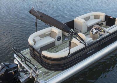 2020 Crest Classic DLX 220 L Tritoon Boat