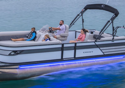 2021 Crest Classic Platinum 220 SLSC Tritoon Boat White/Firecracker