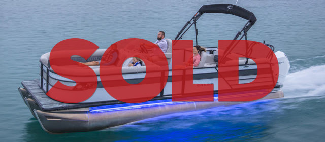 SOLD: 2021 Crest Classic Platinum 220 SLSC Tritoon Boat White/Firecracker