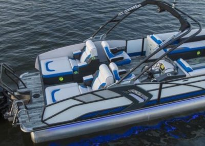 2021 Crest CARIBBEAN RS 250 SLRC Tritoon Boat Black w/ Pacific Blue Accent
